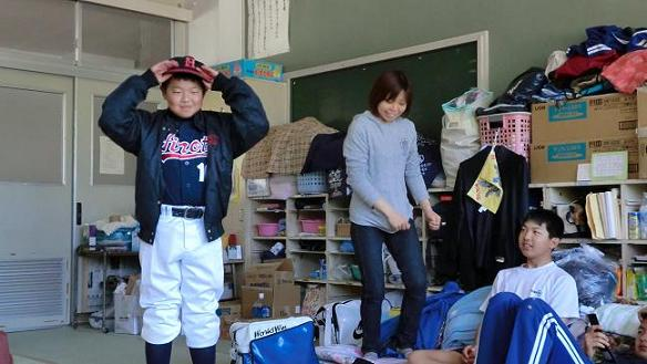 Takuto-kun in baseball club uniform 5.15.2011.jpg