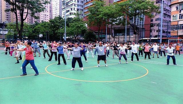 2017年9月号 美容健康: 平均寿命世界一の香港