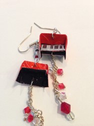 Earring May 2013 piano (188x250).jpg