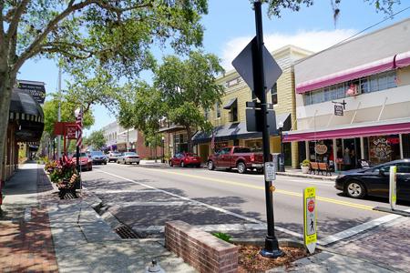 downtownTarponSprings.jpg